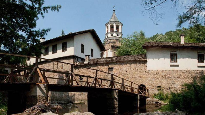 Екскурзия до Дряновски манастир и Трявна снимка 1