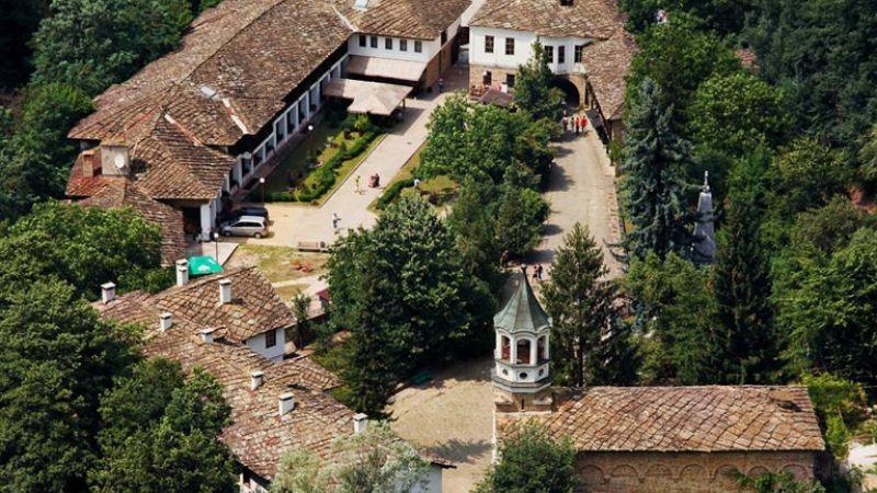 Екскурзия до Дряновски манастир и Трявна снимка 3