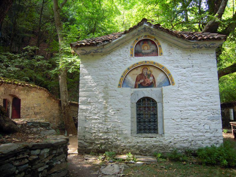 Екскурзия до Кръстова гора и Бачковски манастир снимка 2