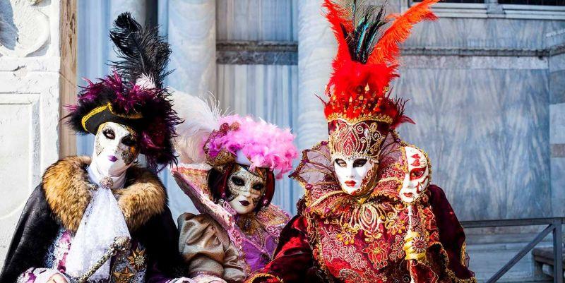 Карнавалът във Венеция - Полетът на Ангела - без нощни преходи! снимка 1