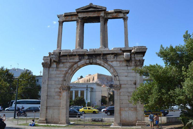 Уикенд в Атина – самолетна програма с обслужване на български език! снимка 5