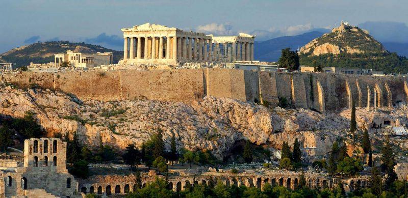 Уикенд в Атина – самолетна програма с обслужване на български език! снимка 1
