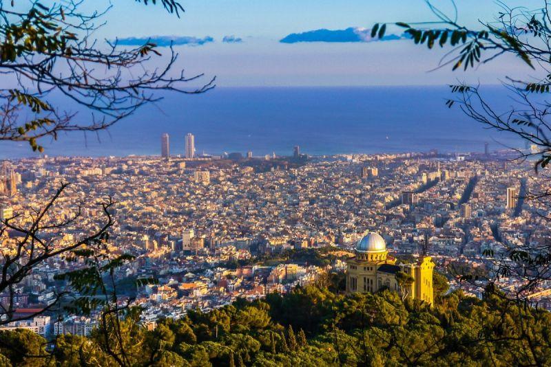 Първа пролет в Барселона - със самолет и обслужване на български език! снимка 13