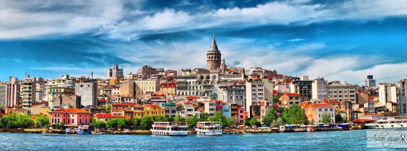 """Истанбул - """"Църквата на първия ден от месеца""""  със """"сребърни"""" и """"златни"""" ключета снимка 1"""