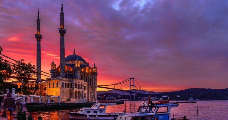 """Истанбул - """"Църквата на първия ден от месеца""""  със """"сребърни"""" и """"златни"""" ключета снимка 7"""