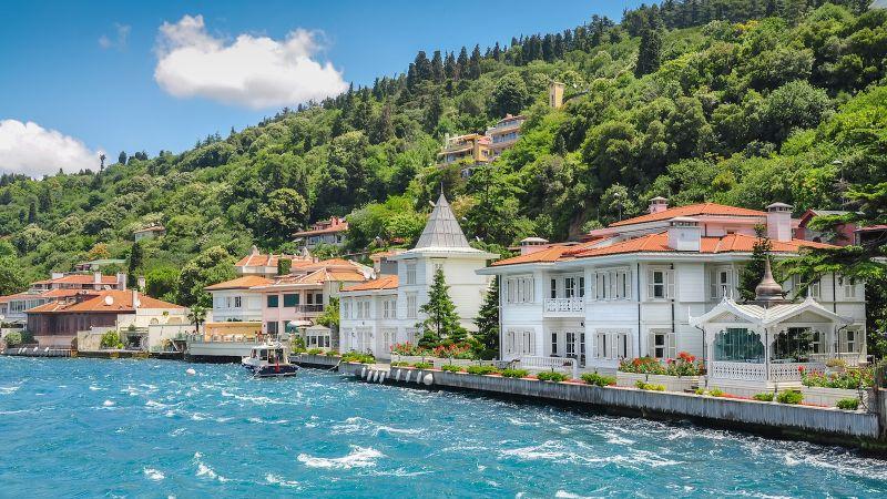 """Истанбул - """"Църквата на първия ден от месеца""""  със """"сребърни"""" и """"златни"""" ключета снимка 4"""