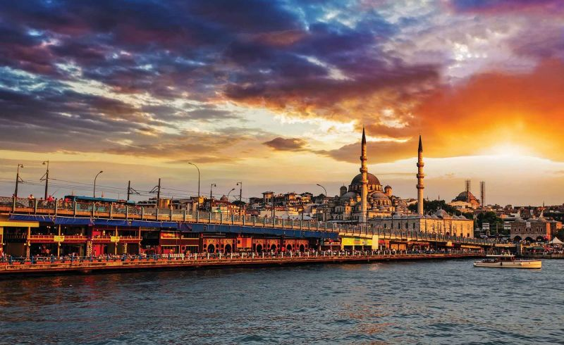 Осми Март в Истанбул снимка 1