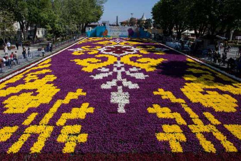 Фестивалът на лалето в Истанбул и Желязната църква снимка 4