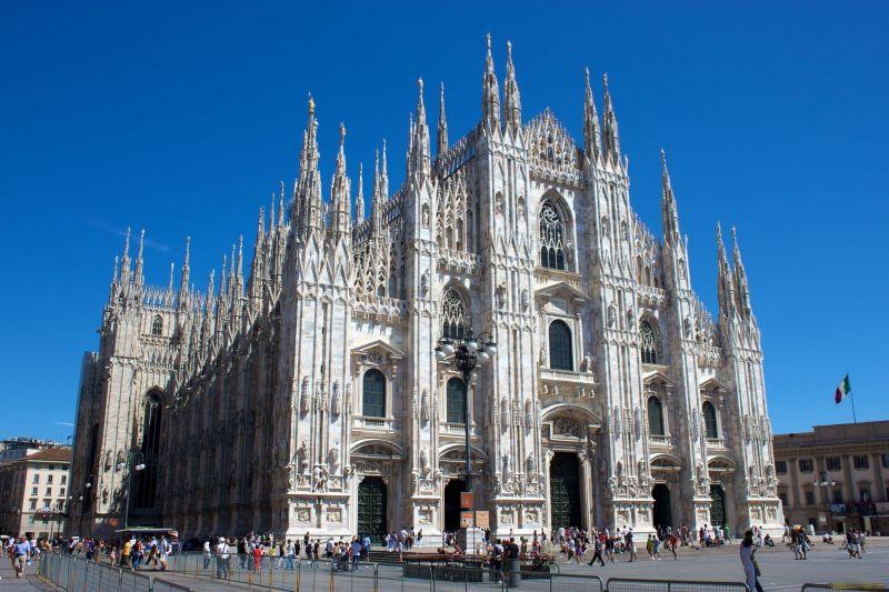 Милано – столицата на модата, самолетна програма с обслужване на български език! снимка 4