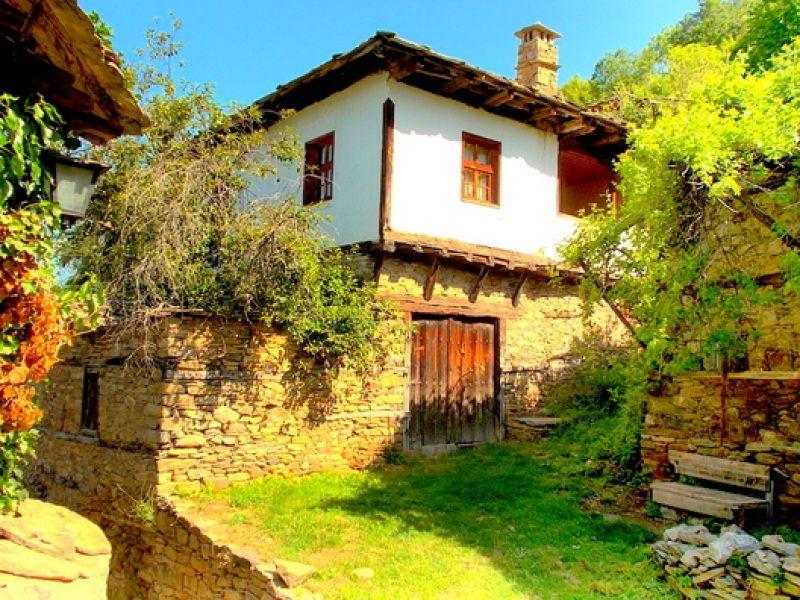Екскурзия до Хаджидимовски манастир и екопътека Градище снимка 2