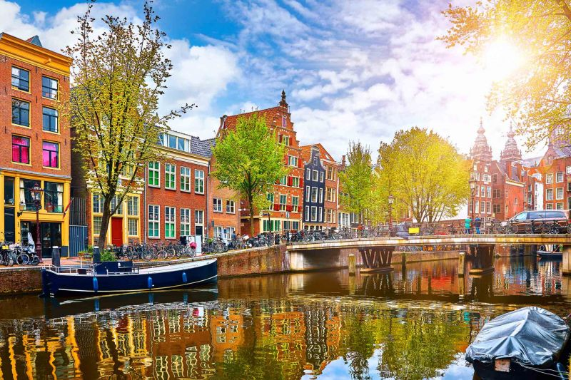 Амстердам - в страната на лалетата снимка 1