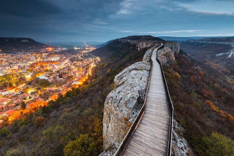 Крепост Овеч, Вълшебния Извор, Побитите камъни, Исторически комплекс-Неолитно селище Неофит Рилски снимка 1