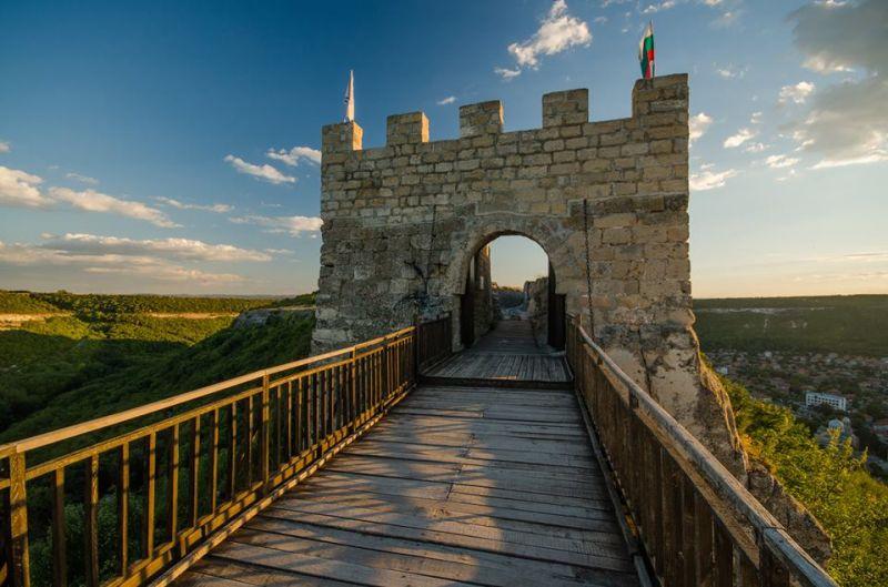 Крепост Овеч, Вълшебния Извор, Побитите камъни, Исторически комплекс-Неолитно селище Неофит Рилски снимка 9