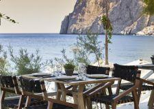 Майски празници на остров Санторини